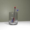Шариковые ручки в стакане